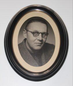 Cai M. Woel (2)